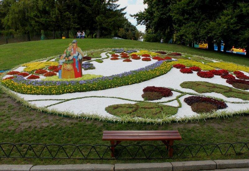 цветочная инсталляция киев певческое поле