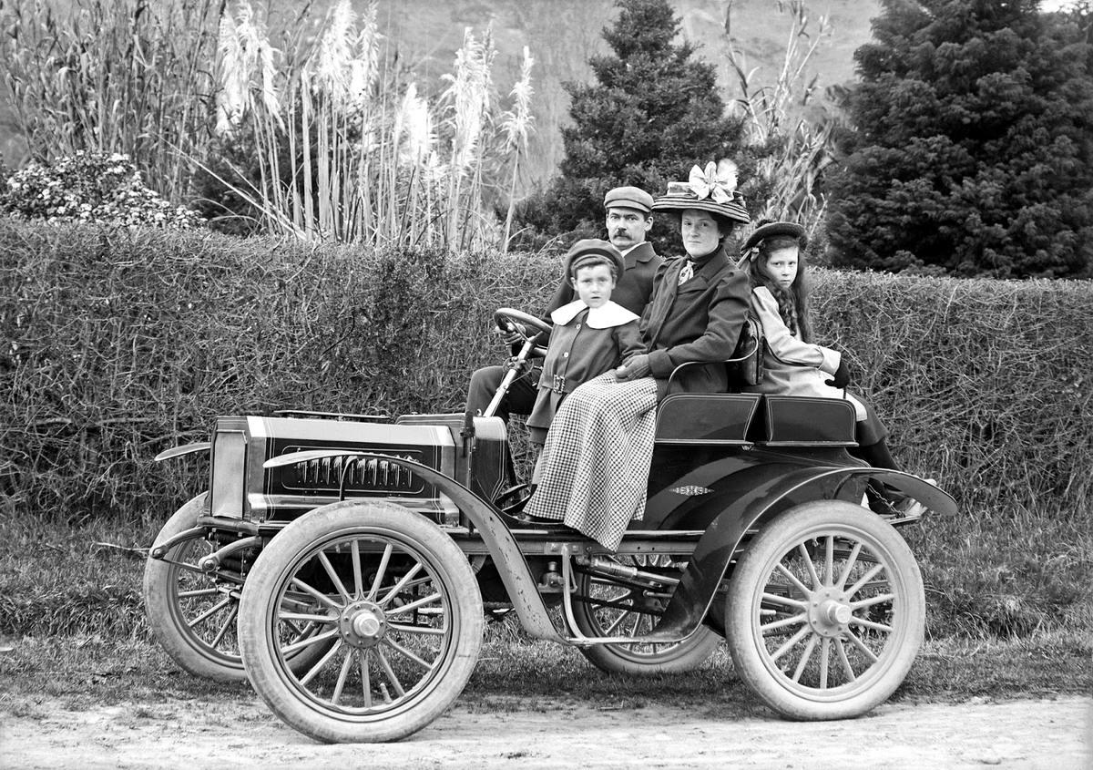 первые автомобили в мире фото иконы, прославление имеет