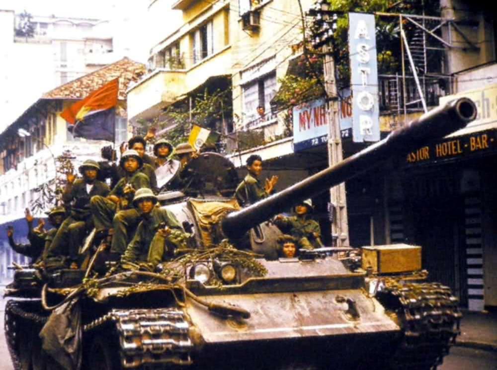 Освобождение Сайгона: как это было! К 40-летию со Дня Победы Вьетнама (США) (33)