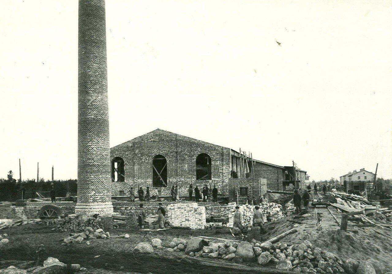 02. Вид заводского двора