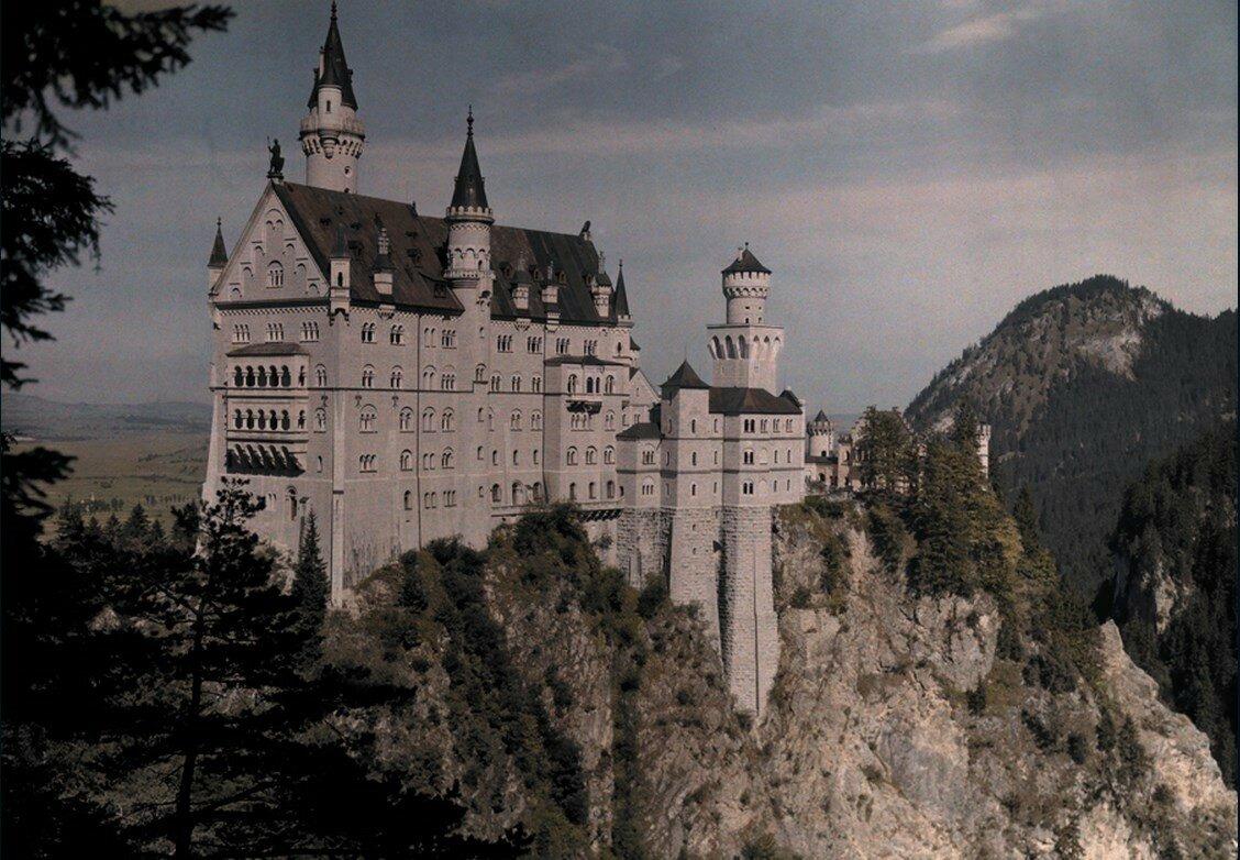 1925. Германия. Замок Нойшванштайн баварского короля Людвига II около городка Фюссен