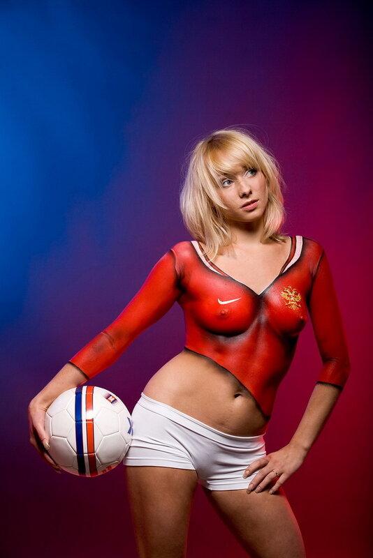 Секси девушки в форме футбольной 5 фотография