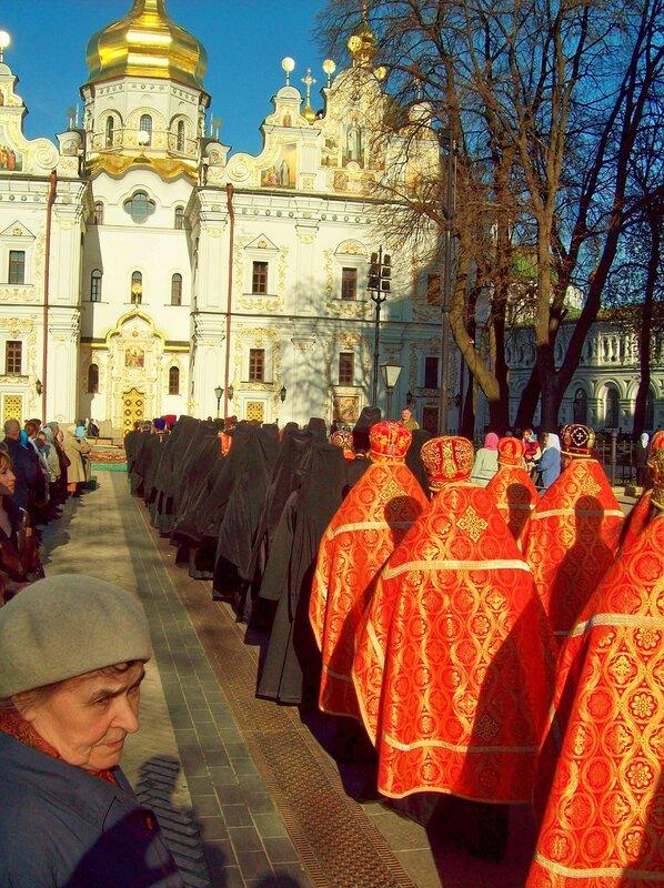 Шествие по Соборной площади