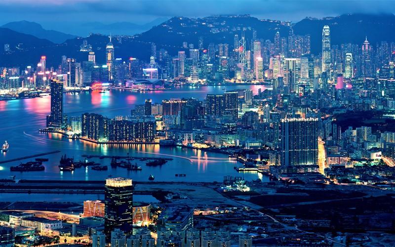 2. Из Дубая в Гонконг Продолжительность перелета: 5438 км / 7 часов Главный финансовый хаб Азии, бог