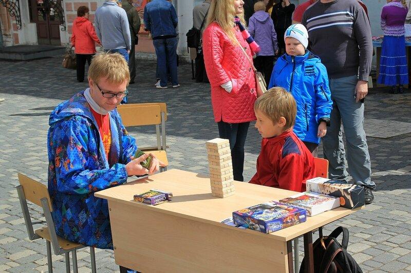 Настольные игры - «Вятский Арбат» в день города-2015 на пешеходной улице Спасской