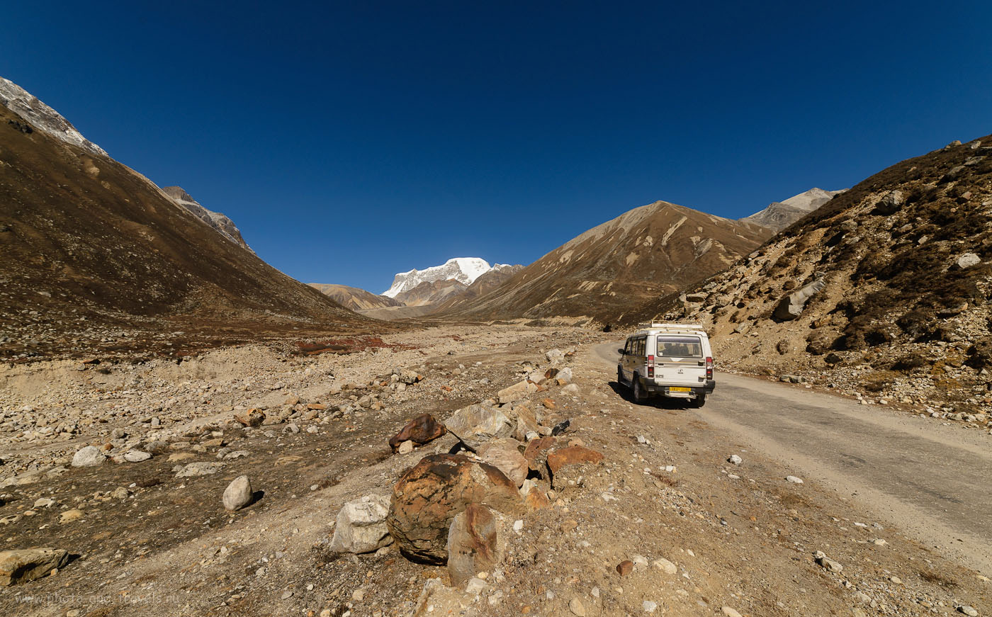 Фотография 3. Высокогорная пустыня в Гималаях. Отзыв о самостоятельном путешествии по Индии по штату Сикким. Камера Никон Д610, объектив Самъянг 14/2,8. Настройки: 1/1000, -1.0, 9.0, 250, 14.