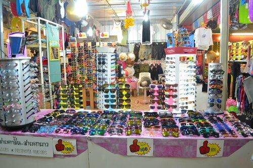 Очки. Ночной рынок на Пхукете