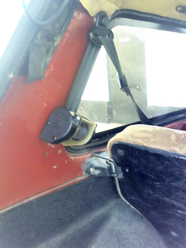 Установка задних ремней безопасности на автомобиль НИВА ВАЗ 21213