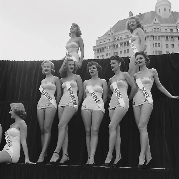 Miss Universe contestants, 1950s.jpg