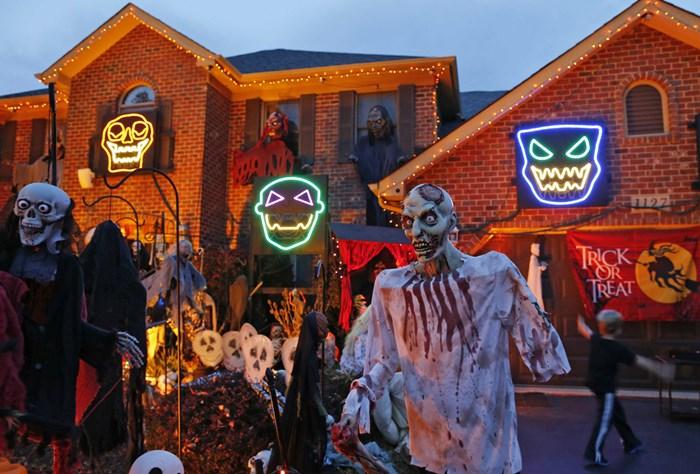 Тыквы и страшные костюмы: мир празднует Хэллоуин 2014 года 0 106ab9 562f83da orig