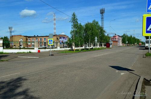 Фото города Инта №7751  Улица Кирова в восточном направлении в районе Кирова 21 (стадион и Кирова 26