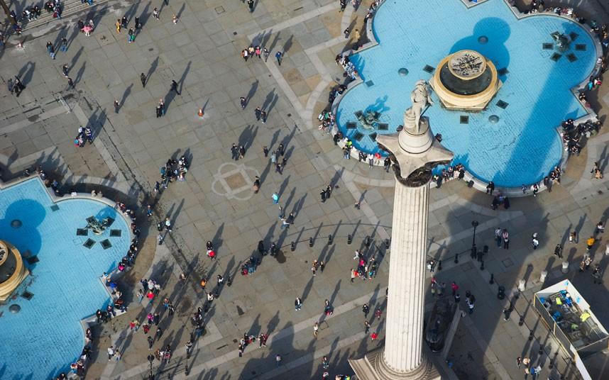 10. Одна из самых известных достопримечательностей Лондона – Трафальгарская площадь. (Jason Hawkes)