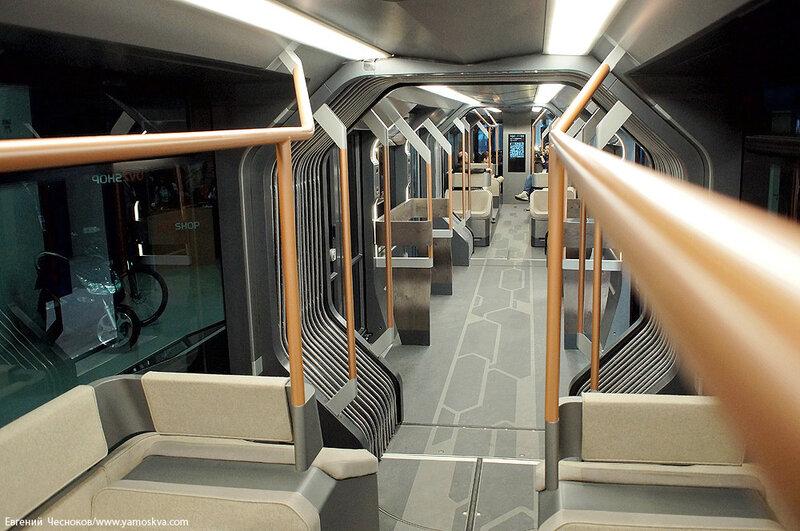 Осень. ЭкспоСитиТранс. Трамвай R1. 29.01.14.07..jpg