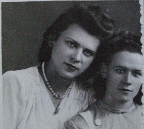 Мама Люся в 1956