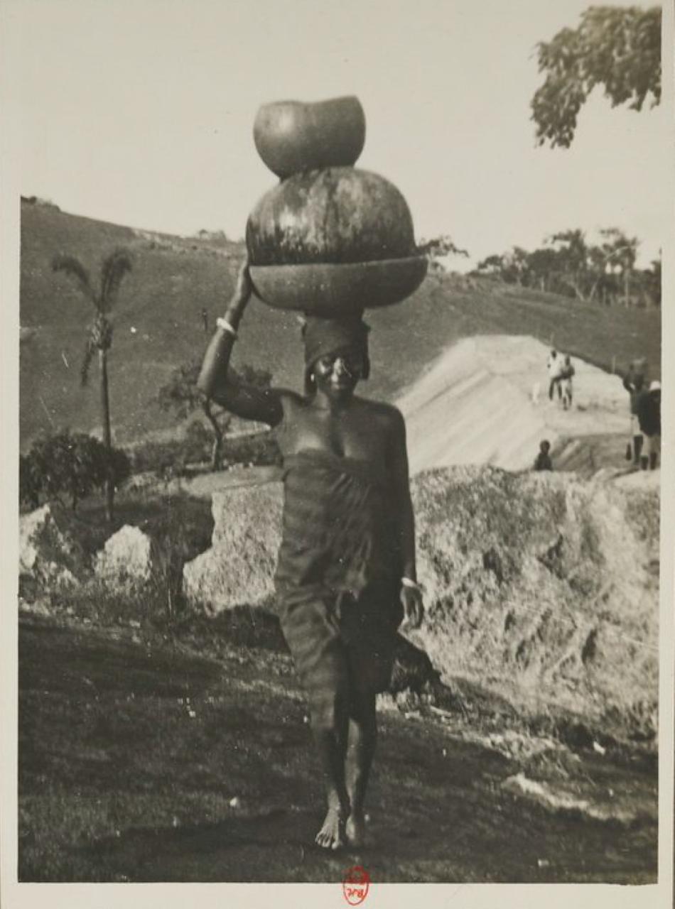 Саве. Местная жительница