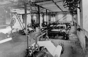 Перемоточные станки и бумагорезательные машины.