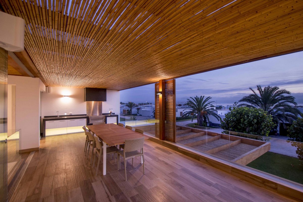 Panda House, DA-LAB Arquitectos, проект частного дома, навес из тростника, варианты летнего навеса, навес из бамбука, терраса в частном доме, дома Перу