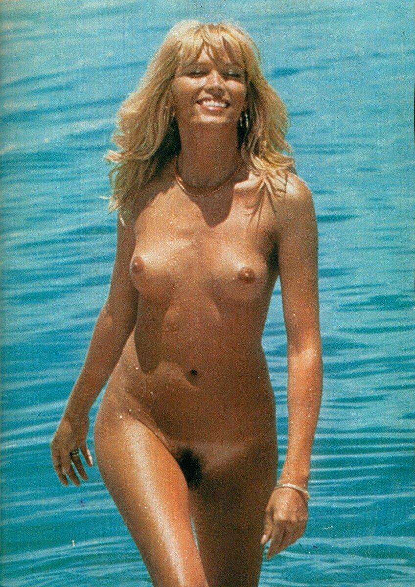View Amanda Lear Naked