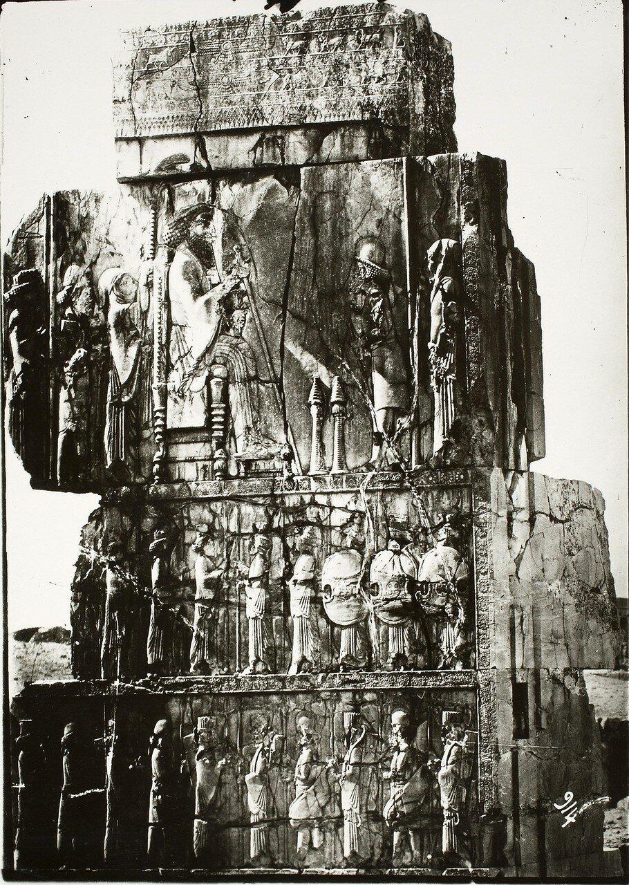 Персеполь. Трипилон. Тронный зал, северная стена, западный угол восточного портика