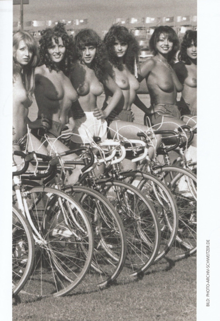 Порнофильмы велосипед по-разному