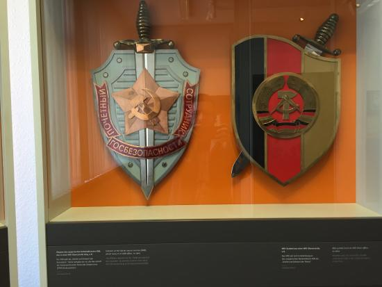 kbg-emblem-left-and-stasi.jpg