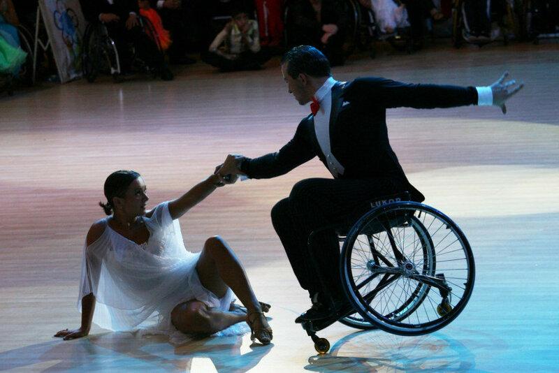 танцы в колясках (1).jpg