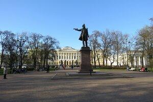 Достопримечательности Санкт-Петербурга: памятник Пушкину