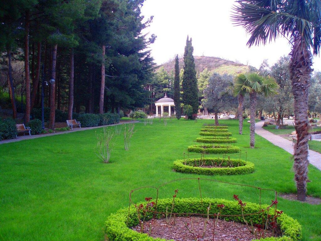 На подходе к Оливковой роще, парк Парадиз или