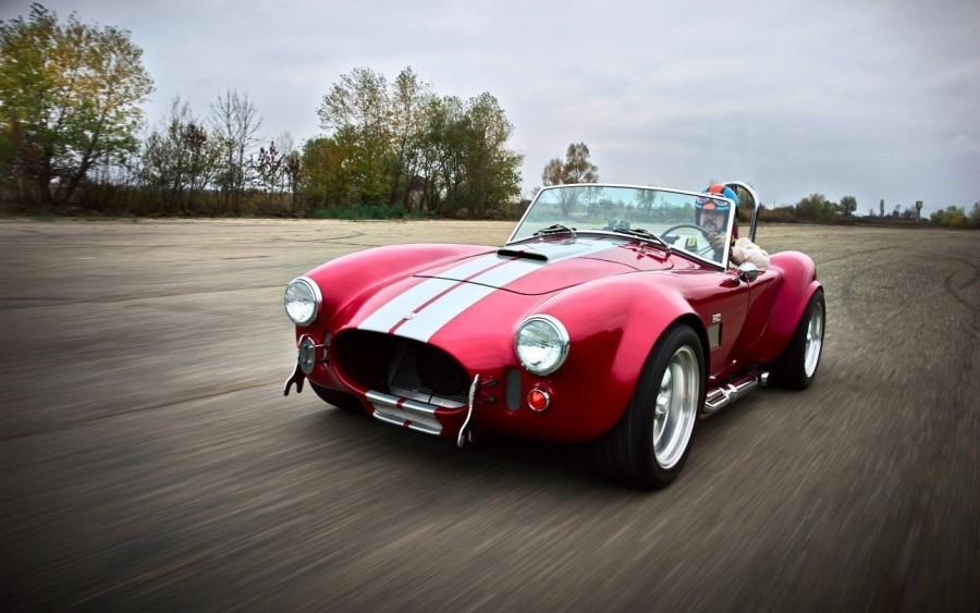4. «AC Cobra»: годы выпуска с 1962 по 1967 Чтобы получить этот легендарный спортивный автомобиль, пр