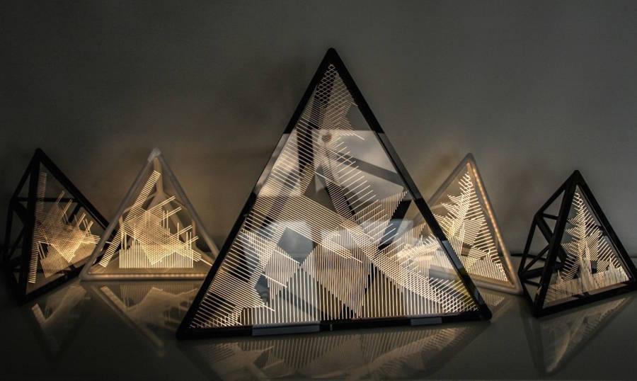 Лампа-пирамида с силуэтами Милана и Сиднея
