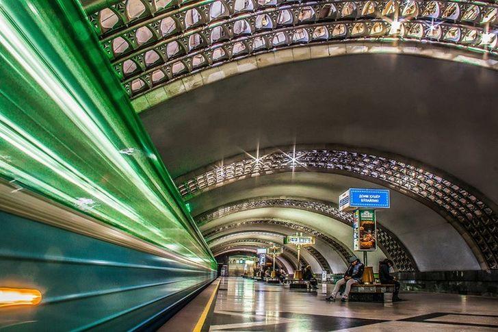 Станция Дустлик