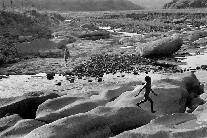 Южная Африка, 1998 год. Это вовсе не поверхность Луны, а девственный пейзаж провинции Квазулу-Натал.