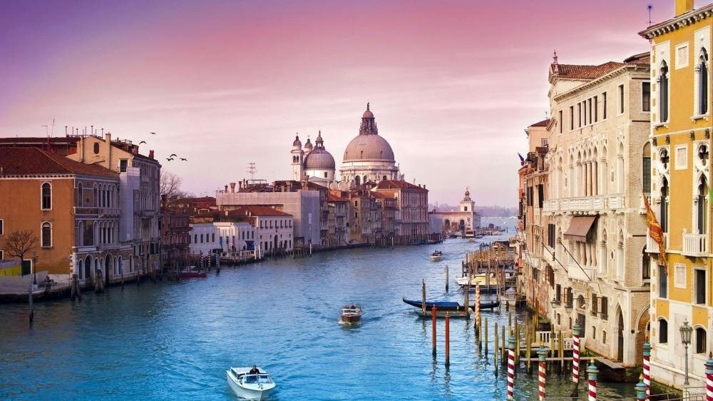 Венеция, Италия Венеция тонет — уровень воды поднимается на 1 миллиметр в год, и к 2100 году город м