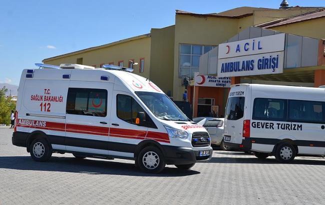 Заминированный автомобиль взорвался упоста жандармерии наюге Турции
