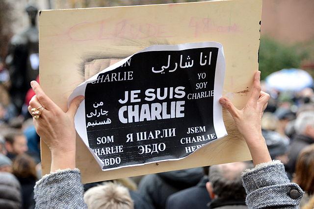 Charlie Hebdo обнародовал карикатуру натему открытия встолице франции православного храма