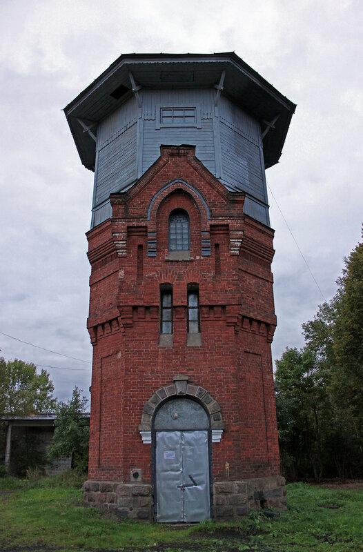 Водонапорная башня на станции Земцы
