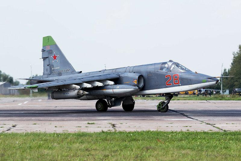 Сухой Су-25СМ (RF-93885 / 28 красный) ВКС России 0350_D805720