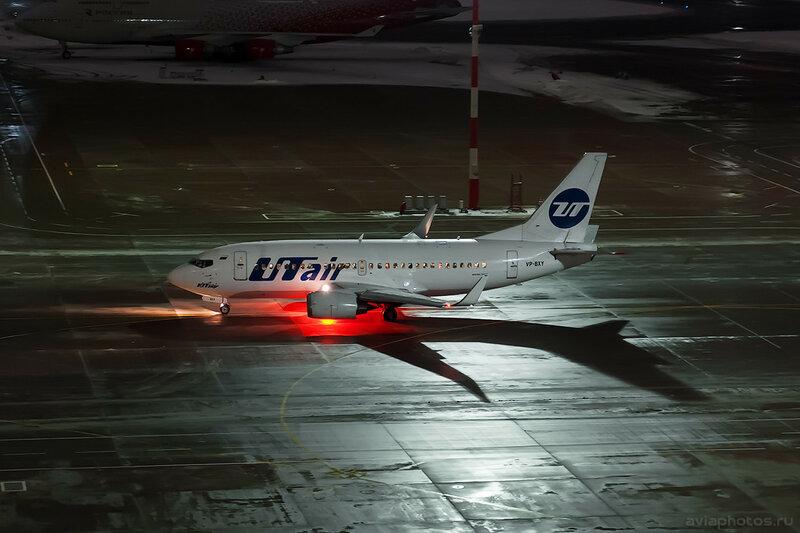 Boeing 737-524 (VP-BXY) ЮТэйр D707596
