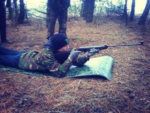 Бойцы ДУК учат школьников военному делу