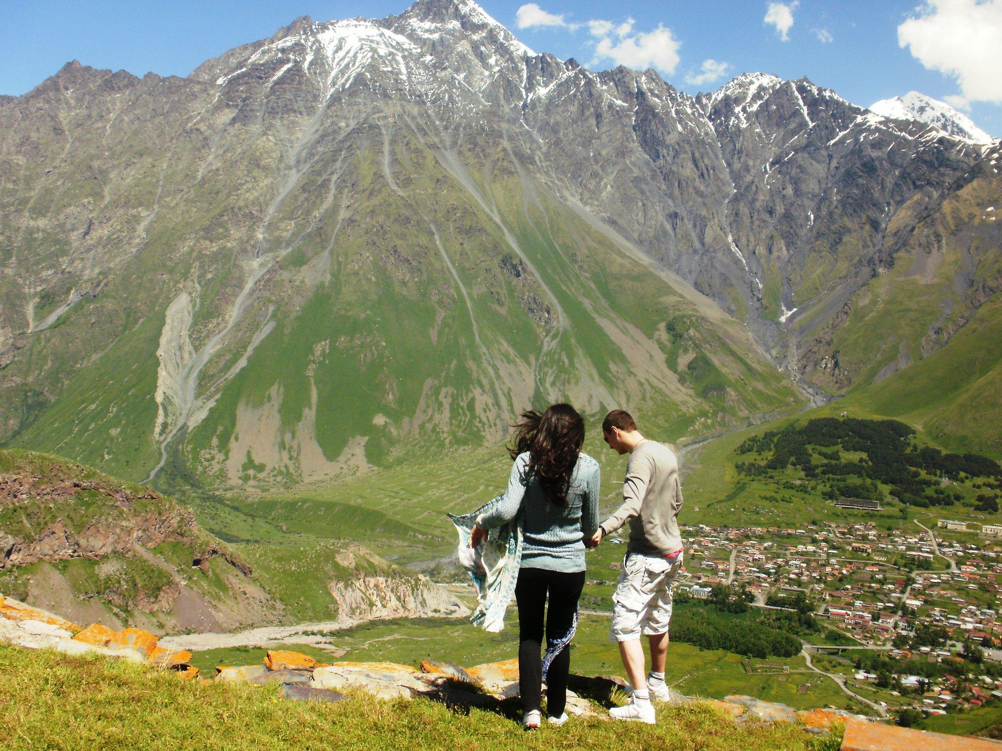 подножие горы Казбек