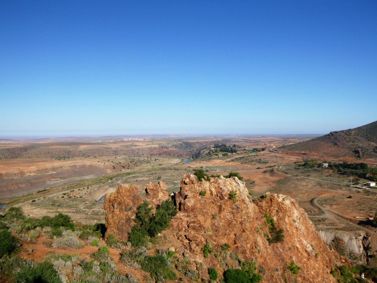Красные холмы Африки