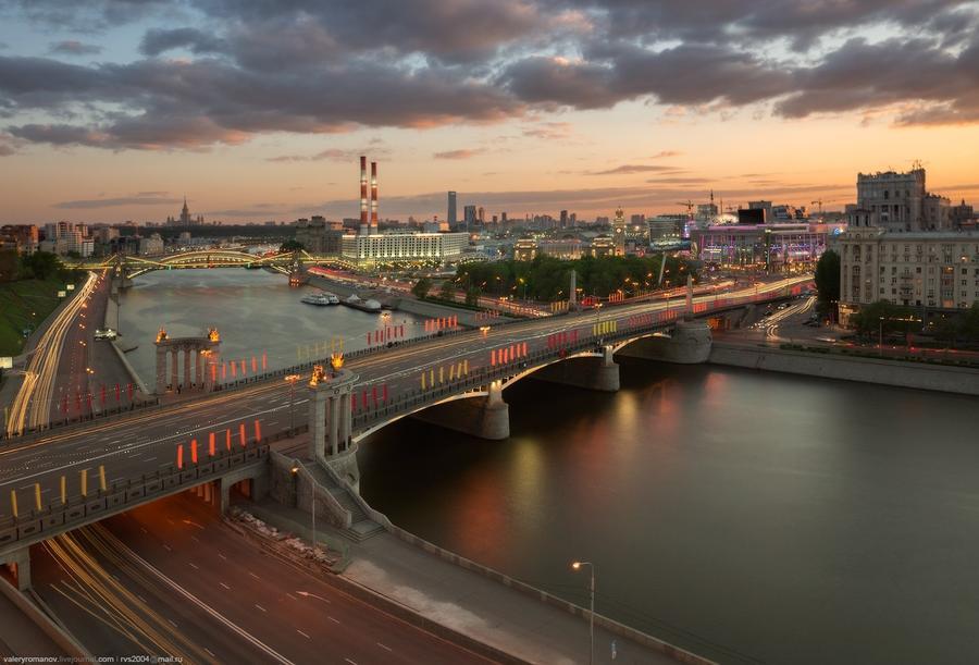 2. Вид на Бережковскую набережную, Москва. Май 2014