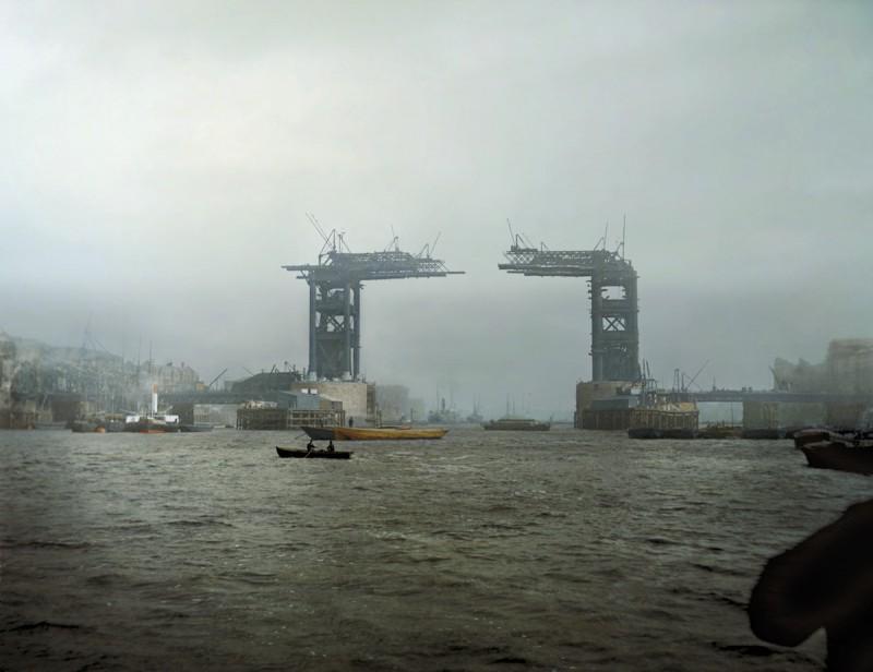1889 год. Проектирование Тауэрского моста началось в 1881 году, а открыт мост был спустя 13 лет. Авт