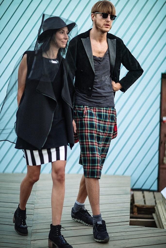 2. Это исследование издания о том, как одеваются прохожие в России, на примере культурной столицы —