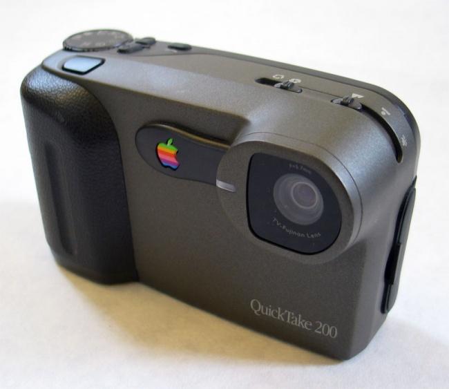 © Wikipedia Commons  QuickTake отApple, запущенный в1994году, был одним изпервых цифровых