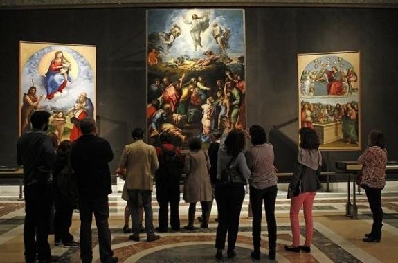 В столице открылась выставка картин Рафаэля