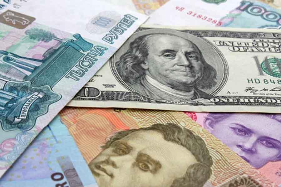 Биржевые курсы доллара иевро растут крублю