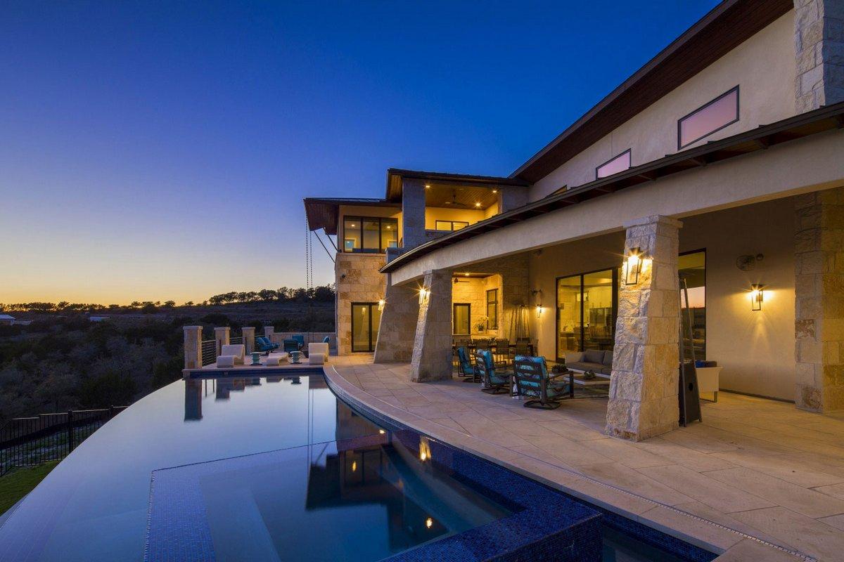 Красивый дом в Spanish Oaks