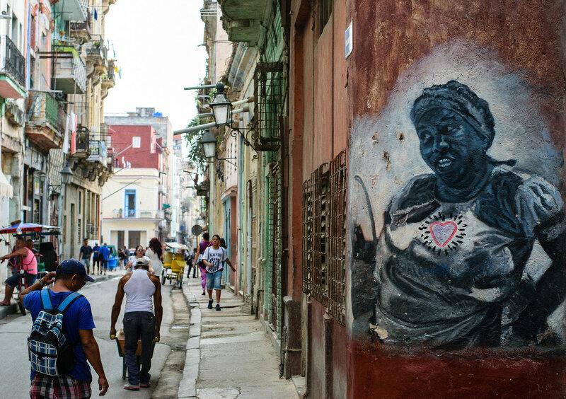 A lo cubano