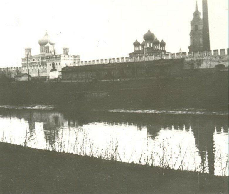 Вид на Кремль со стороны Оружейного завода